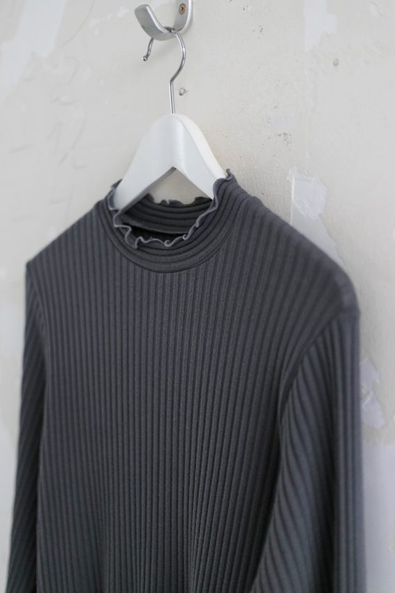 Schnittmuster Damen Rollkragen Pullover #turtle auf Kleiderbügel