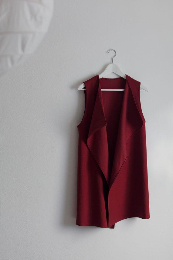 Schnittmuster Damen Weste #cozy auf Kleiderbügel