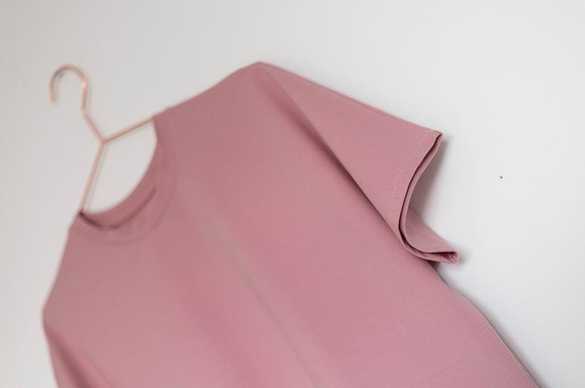 Schnittmuster Damen einfaches T-Shirt #bam auf Kleiderbügel